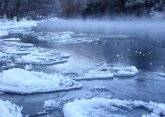 厳寒の釧路川 .jpg